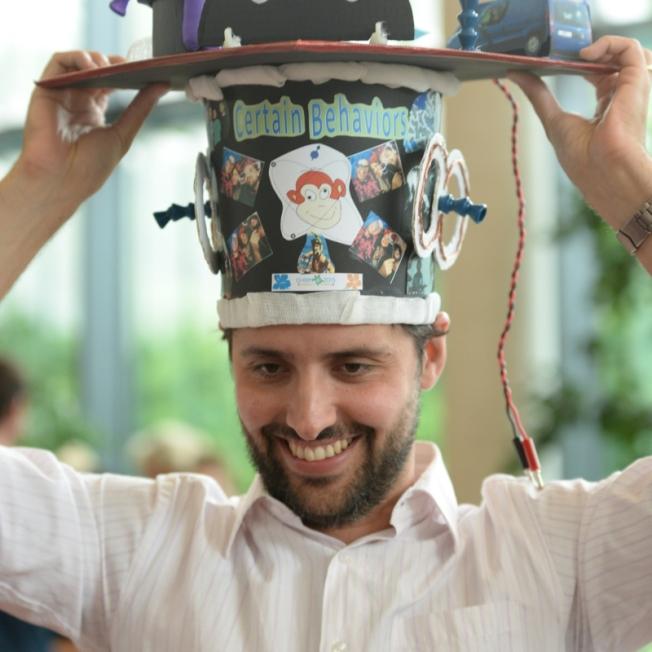 Caio_graduation_hat